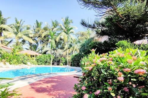 因迪椰林海灘渡假村