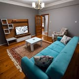 Apartment, 3 Bedrooms, Kitchenette - Living Area