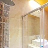 SRC Twin Room - Bathroom