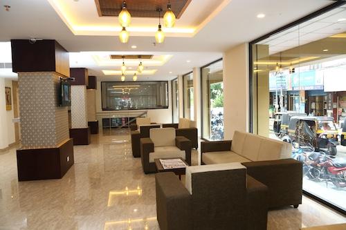 亞穆納飯店/