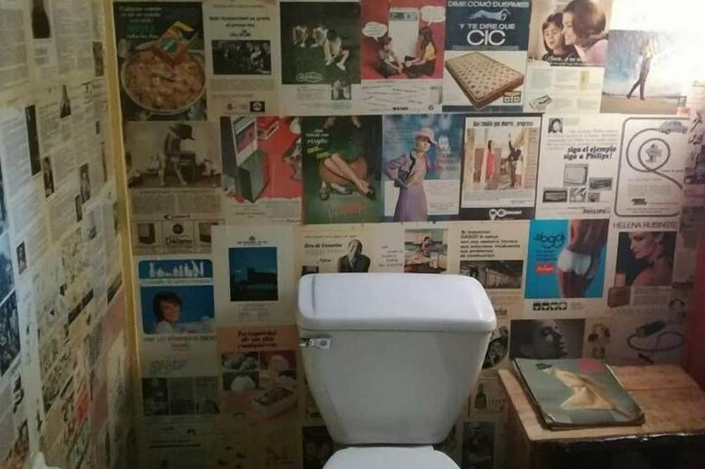 Shared Dormitory, Mixed Dorm (2 Beds) - Bathroom
