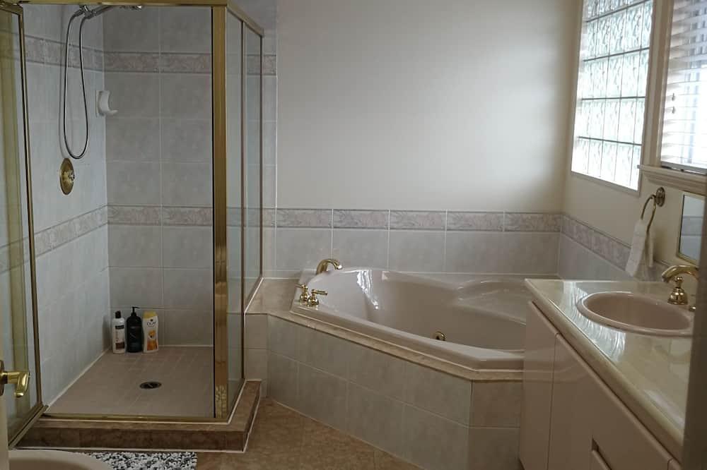 Pokoj typu Deluxe, dvojlůžko (180 cm) - Koupelna