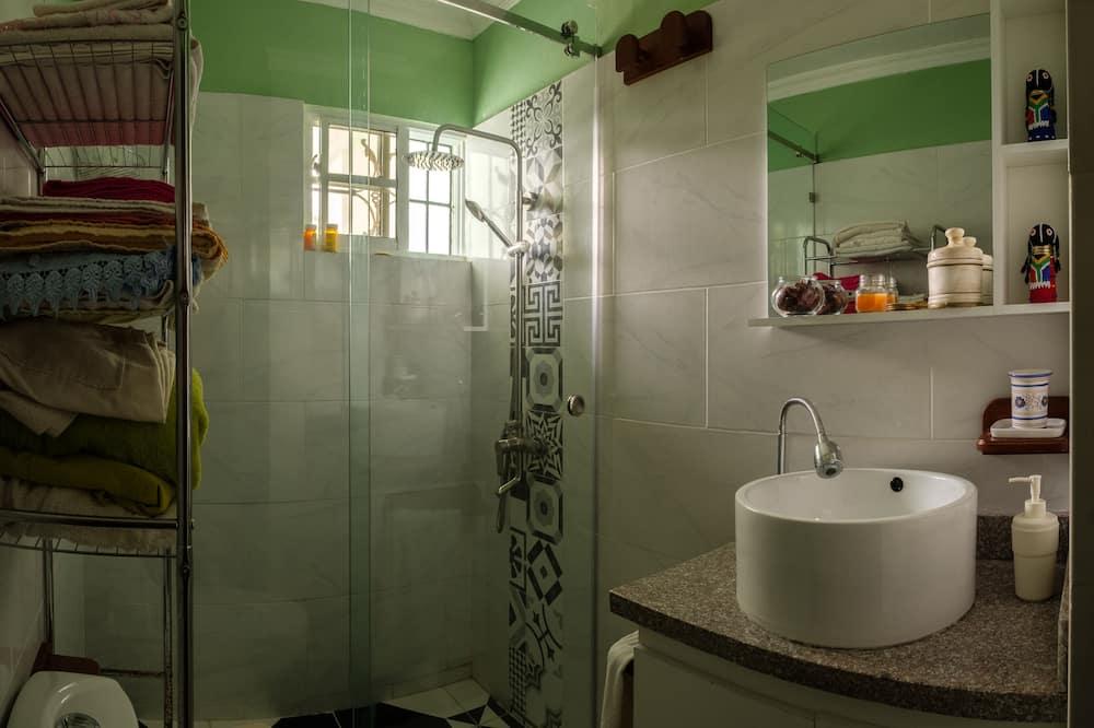 غرفة رباعية - حمّام