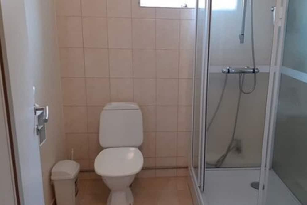 Kamar Twin Standar, kamar mandi umum - Kamar mandi