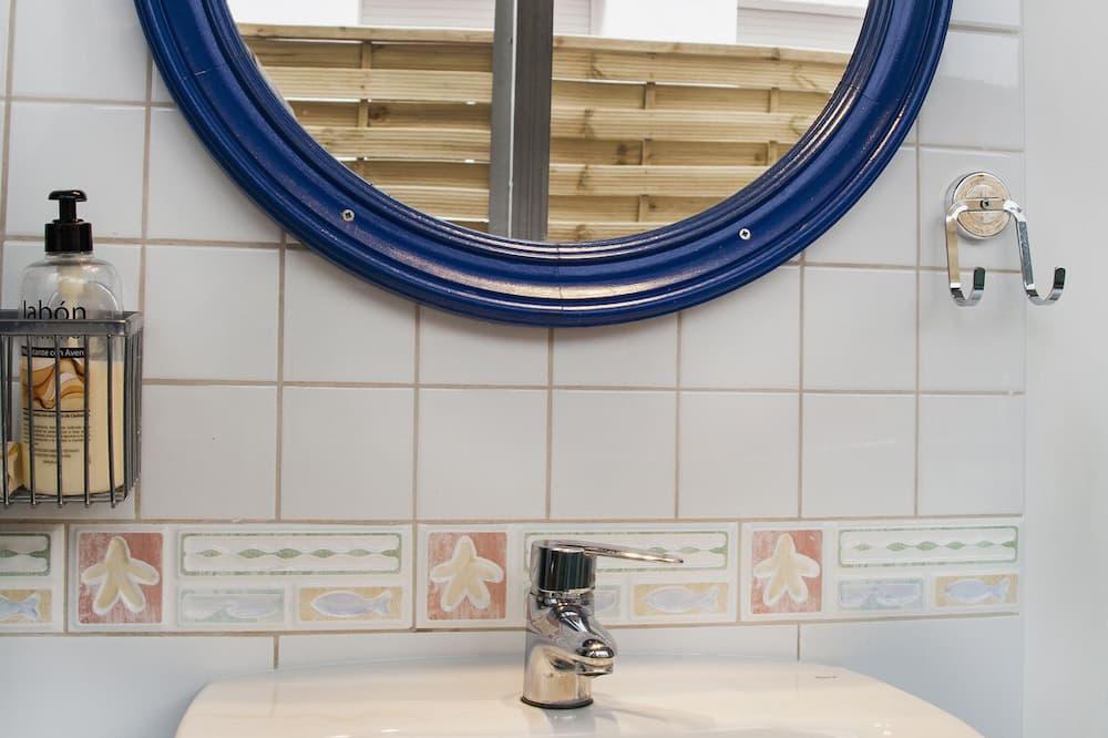Dobbeltværelse - fælles badeværelse (3) - Badeværelse