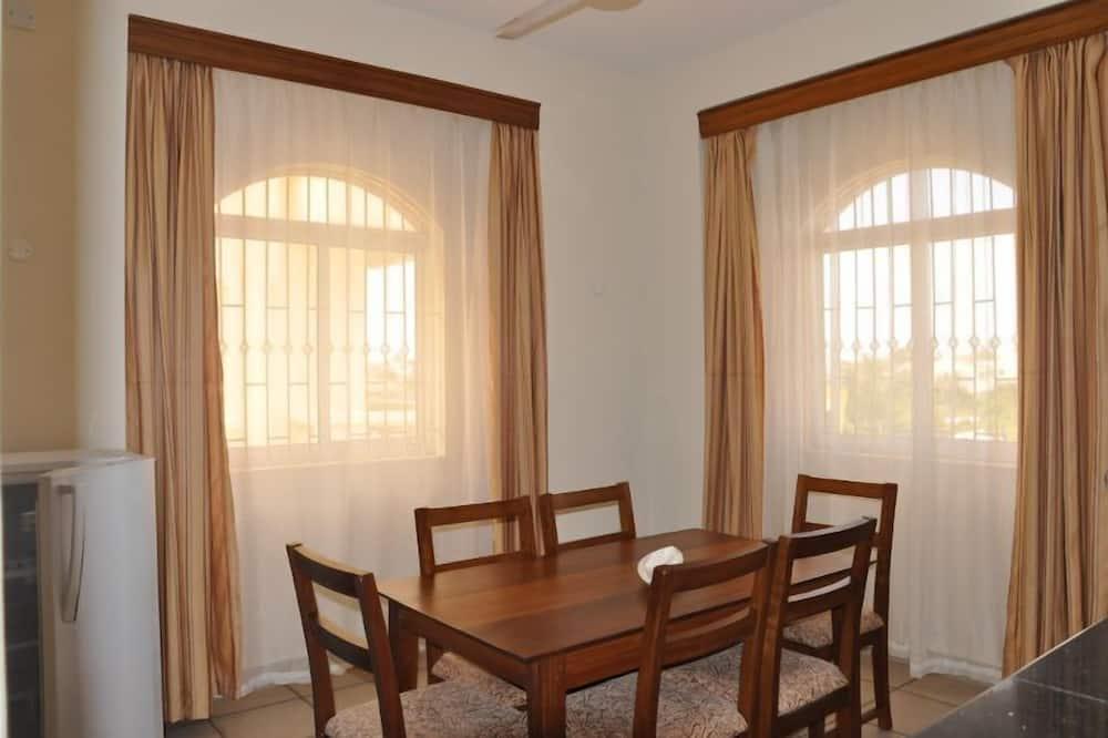 ดีลักซ์อพาร์ทเมนท์, 1 ห้องนอน - บริการอาหารในห้องพัก