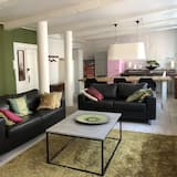 Apartment, 2 Bedrooms, Non Smoking - Living Area