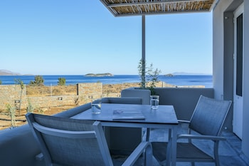 Picture of Pharos Apartments in Andros