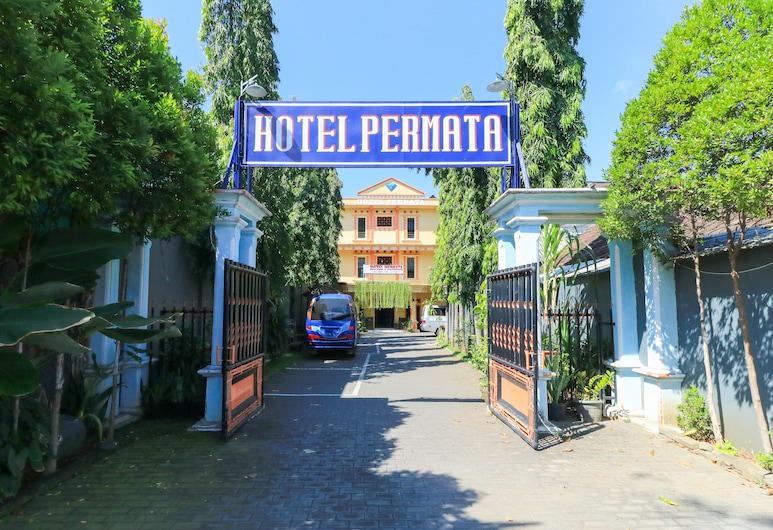 Hotel Permata, Sidoarjo, Voorkant hotel