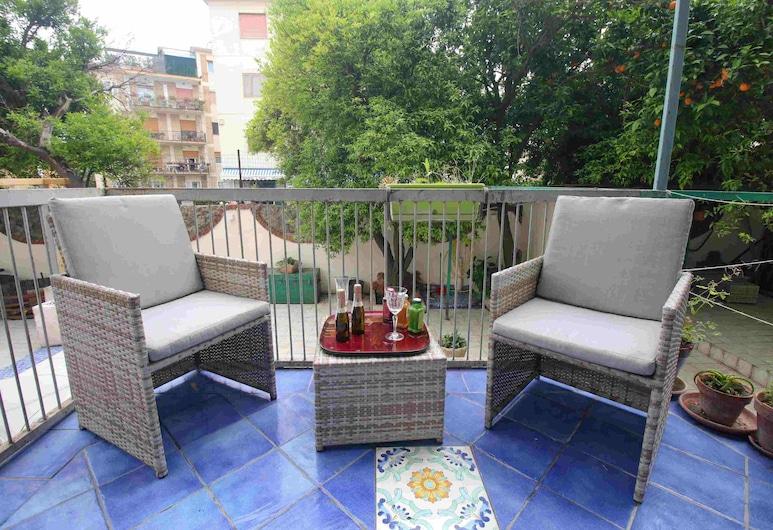 Oasi Relax Manzoni by HHN-P4, Neapol, Pokój dla 4 osób, Taras/patio