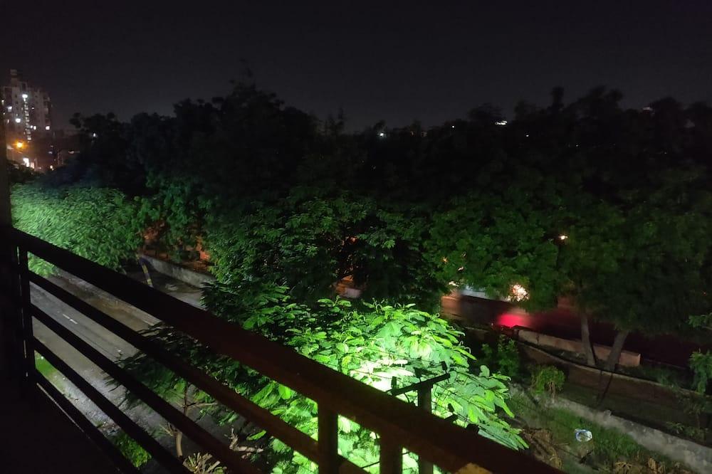 豪華客房 - 露台景觀