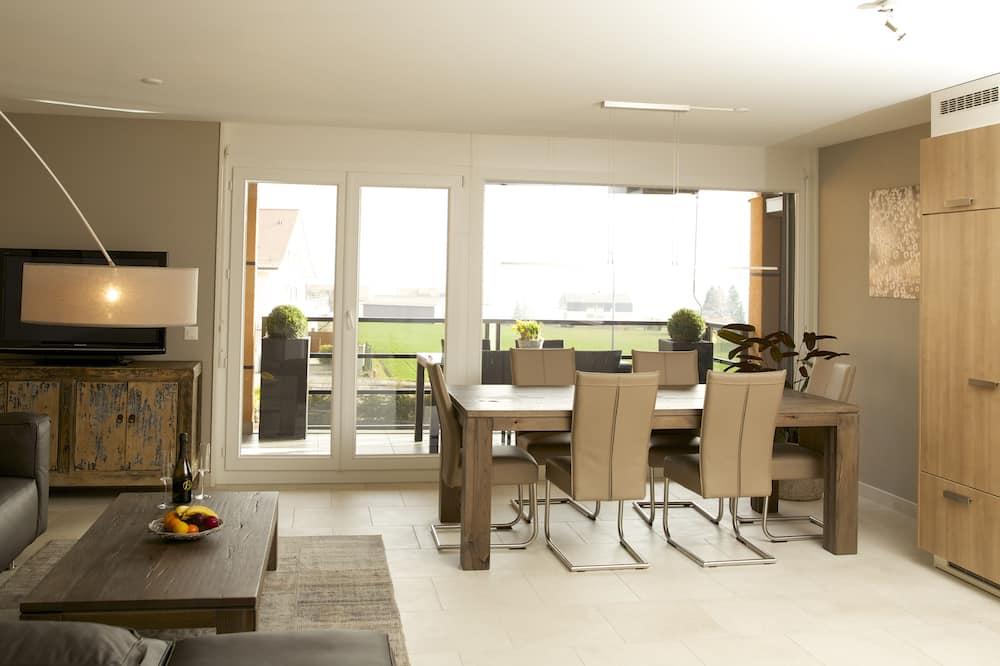 Luxury Διαμέρισμα, 2 Υπνοδωμάτια, Θέα στη Λίμνη - Περιοχή καθιστικού