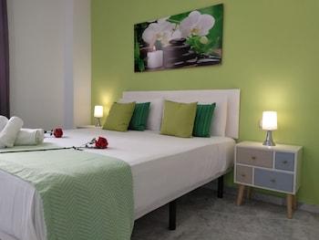 Picture of Apartamento Del Parque Flats Martinez Larios in Malaga