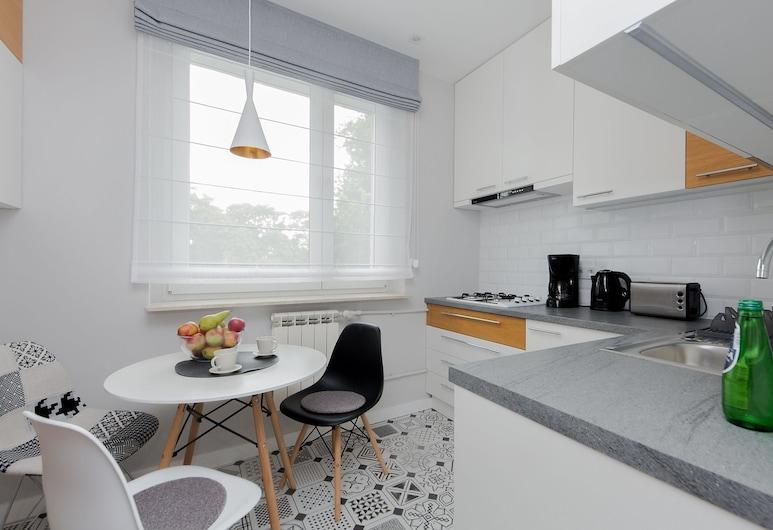 ShortStayPoland Anielewicza B74, Warszawa, Lägenhet Comfort, Eget kök