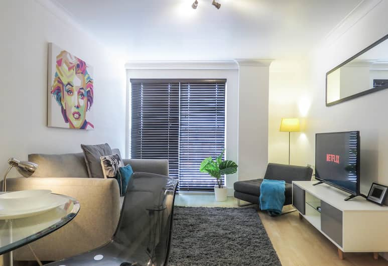 Tudors Canal Side one bedroom Apartment, Birmingham