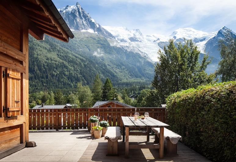 Chalet La Chaumiere, שאמוני-מון-בלאן, ארוחה בחוץ