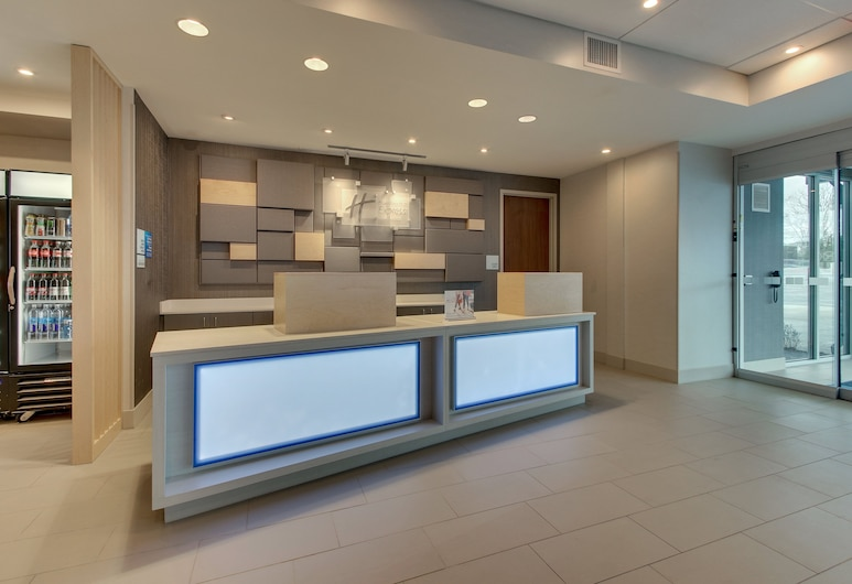 Holiday Inn Express & Suites Nashville Metrocenter Downtown, Nashville, Reception