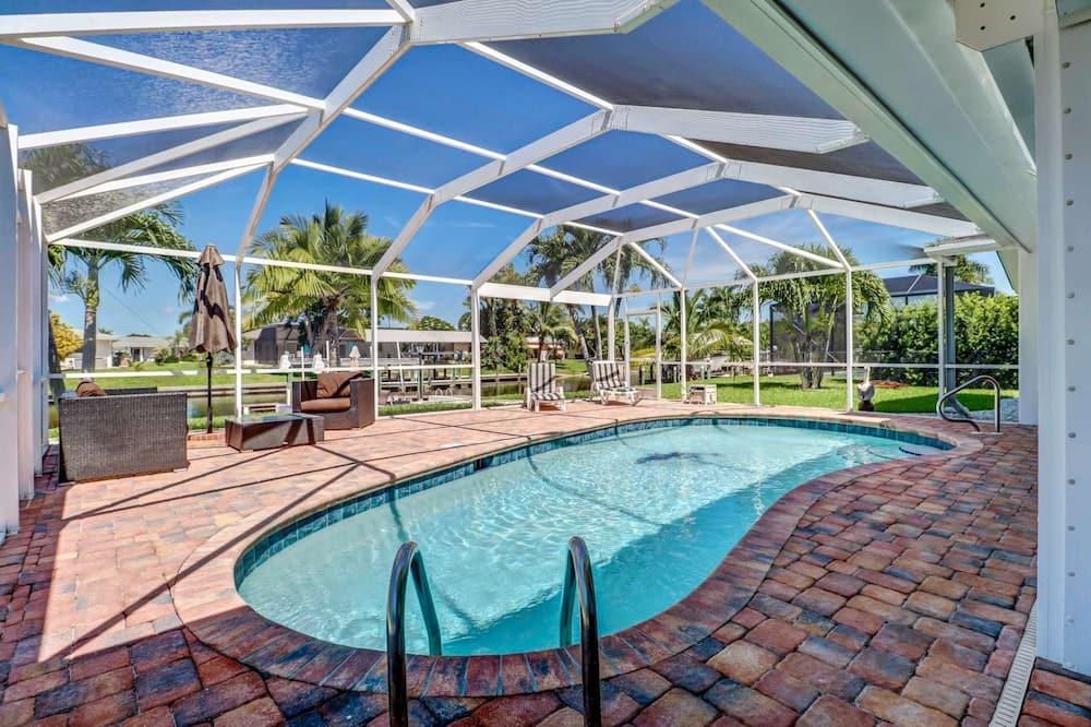 บ้านพัก, หลายเตียง (Cape Coral Yacht Club Area Pool Home) - สระว่ายน้ำ