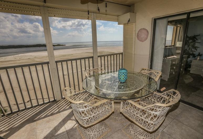 卡洛斯點飯店 623, 梅爾堡海灘
