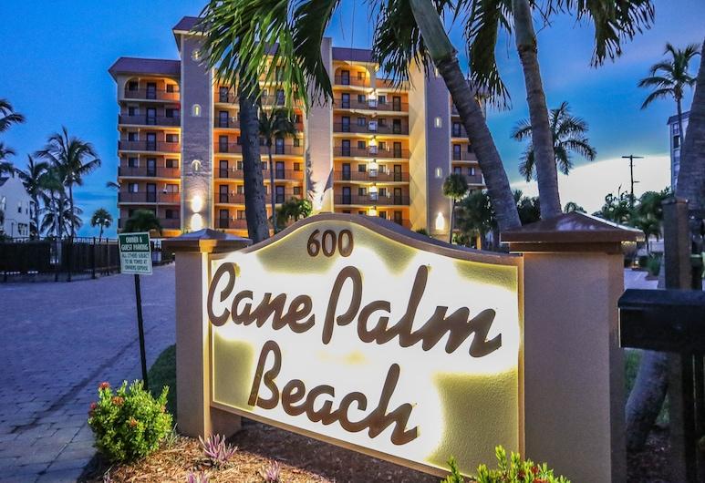 Cane Palm Beach Club 105, Fort Myers Beach
