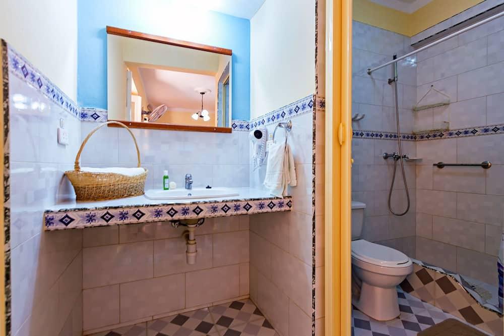 Familien-Vierbettzimmer - Badezimmer
