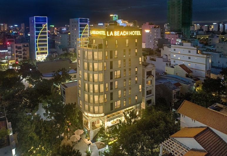 拉海灘飯店, 峴港, 飯店入口 - 夜景