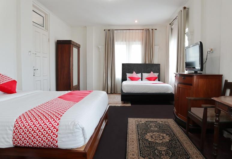 OYO 1407 HOTEL AMALI SYARIAH, Bukittinggi, Kambarys šeimai, Svečių kambarys