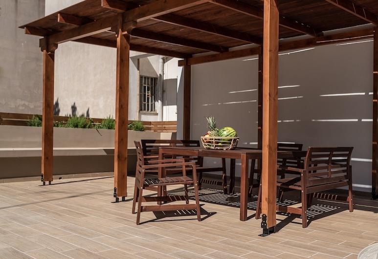 Nemeseos 80m² homm Apartment with Roof Garden and Pool, Atenas, Terraço/pátio