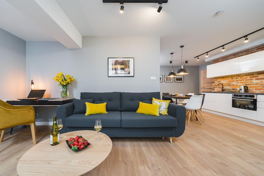 Apartemen Deluks (13) - Ruang Keluarga