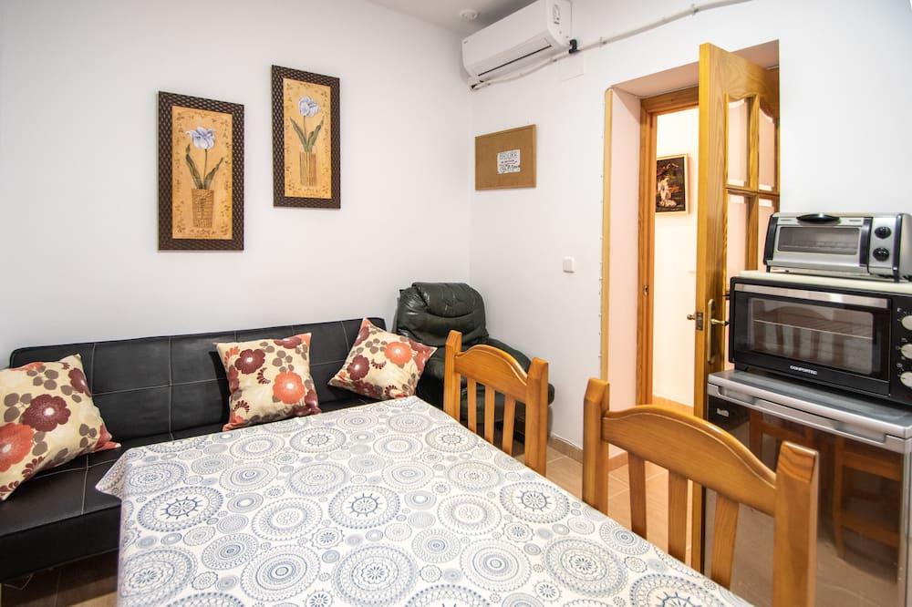 Apartamentai, 4 miegamieji, balkonas - Svetainė