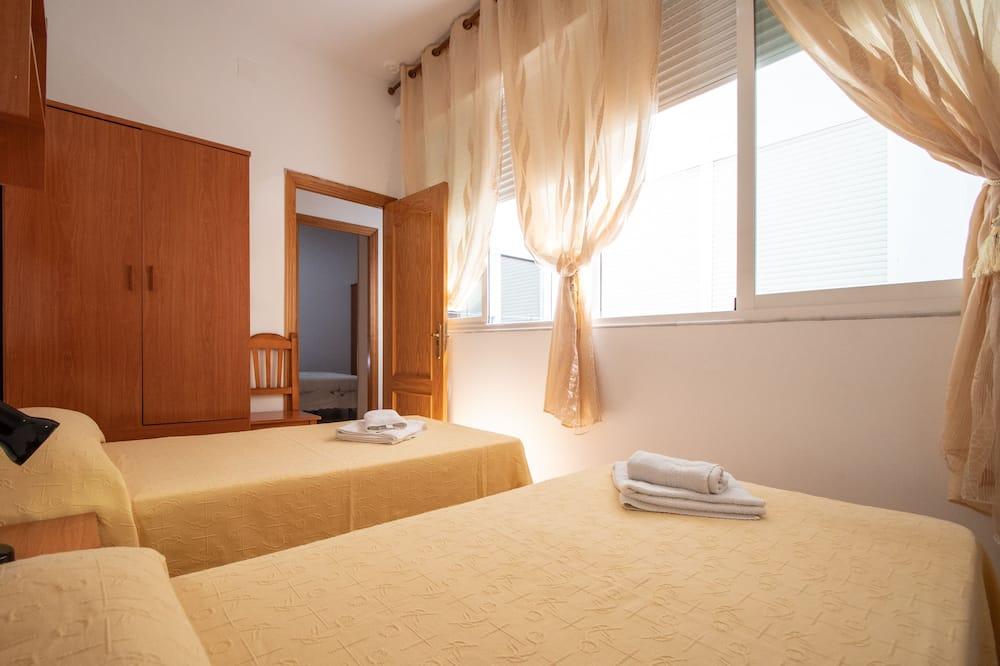 Apartamentai, 4 miegamieji, balkonas - Kambarys