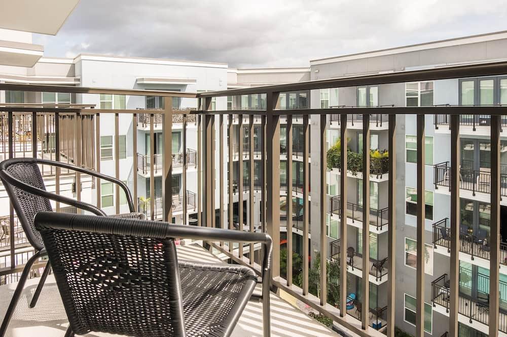 Apartment, 1 Bedroom, Balcony, Pool View - Balcony