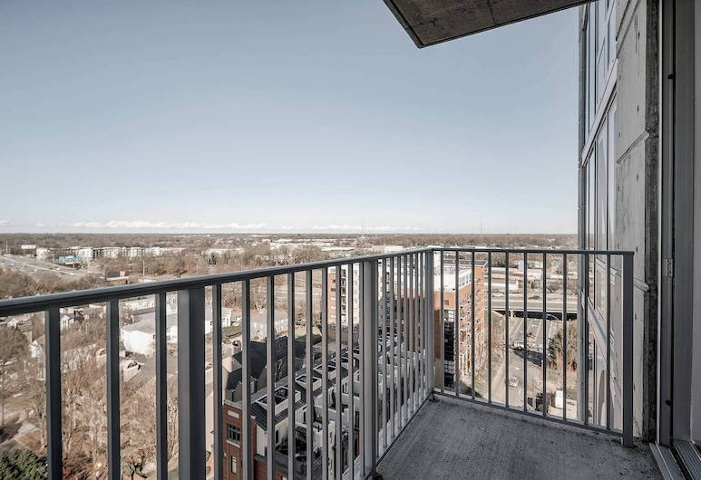 Uptown 1 BR and 2 BR Apts with Balcony by Frontdesk, Charlotte, Apartment, 2 Bedrooms, Balcony, City View, Balcony