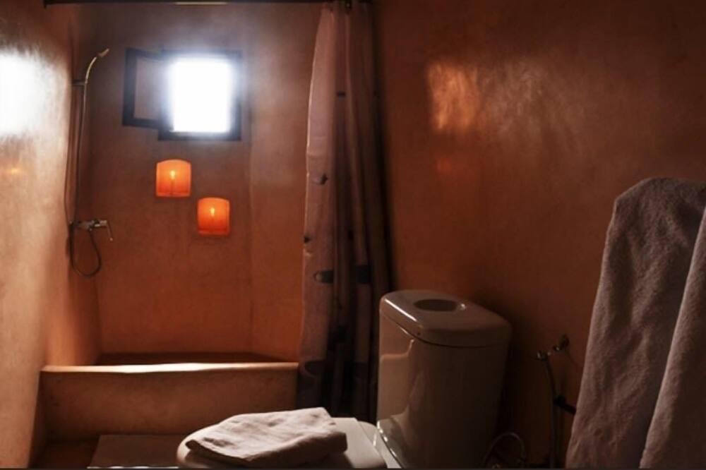 Room (Ghita) - Bathroom