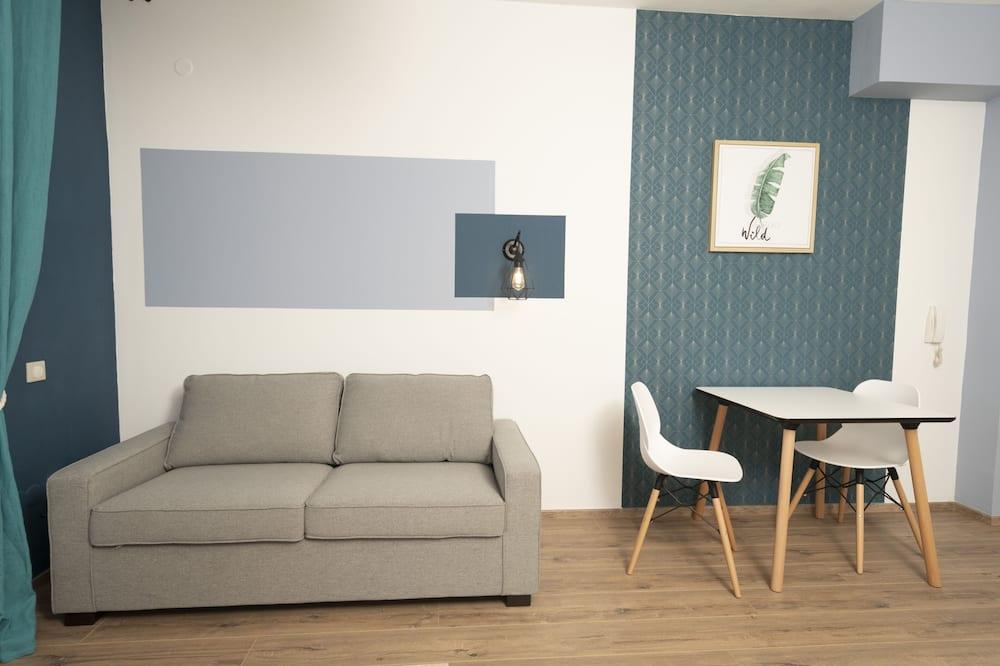 Apartment, 1 Bedroom (50m2 - Rénové - 10' de l'aéroport) - Living Area
