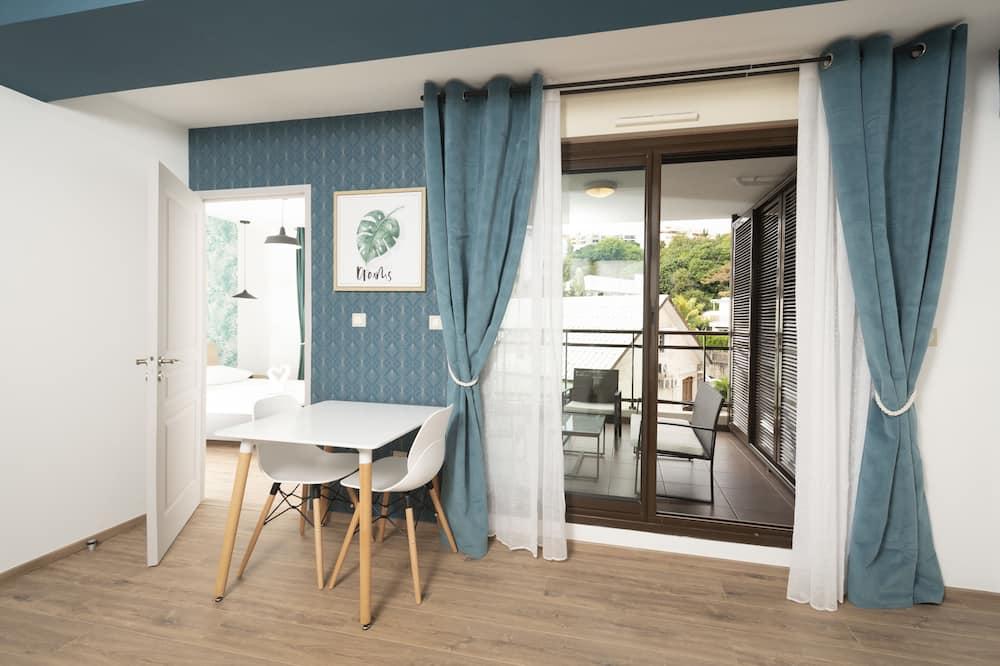 דירה, חדר שינה אחד - אזור אוכל בחדר