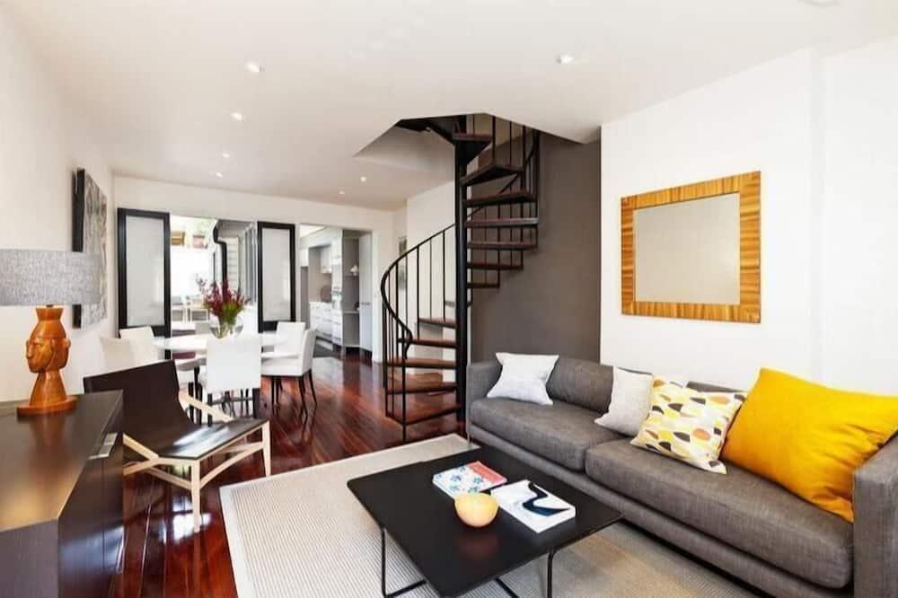2-Bedroom House - Esimene mulje