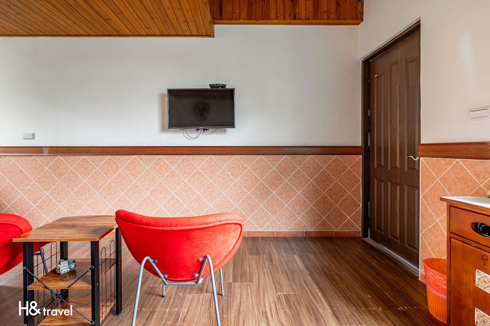 Cabin - Living Area