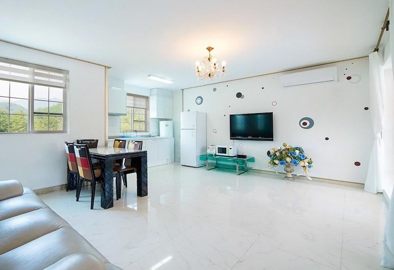 Yangyang Hillstar Pension, Yangyang, Business Room (30 PY), Living Area