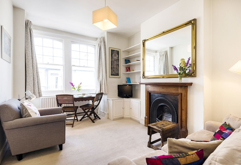 Fantastic Fulham Home by the Underground Station, Londres