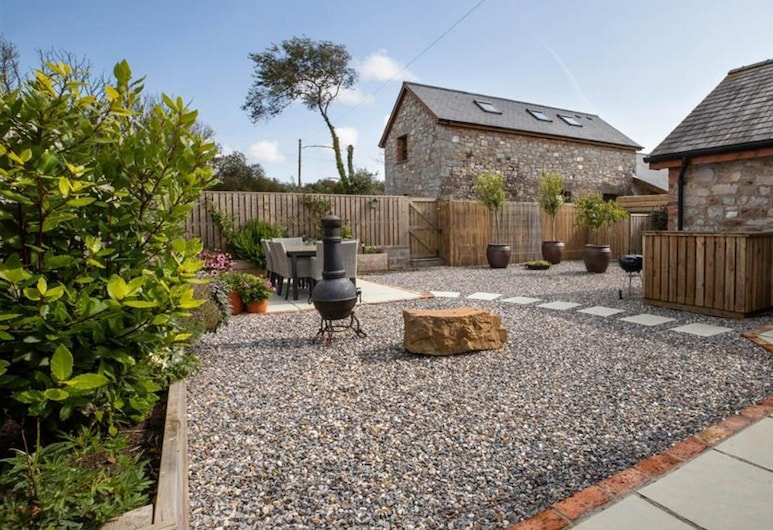 Orchard Barn, Tenby