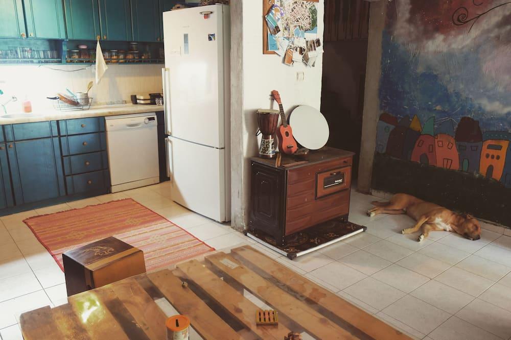 Общее спальное помещение базового типа - Зона гостиной