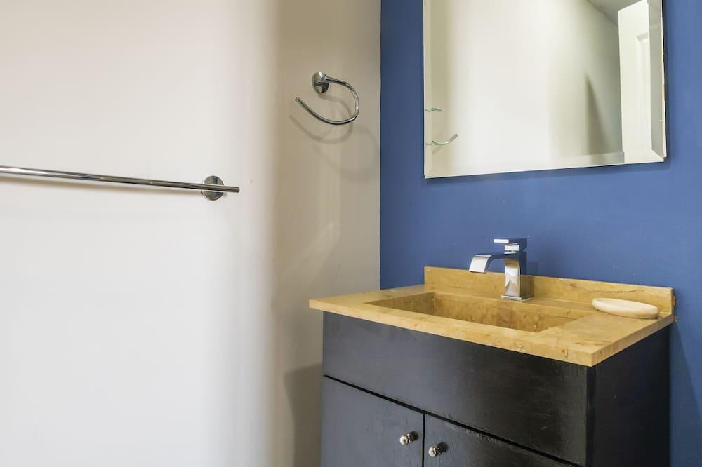 高級開放式套房 - 浴室