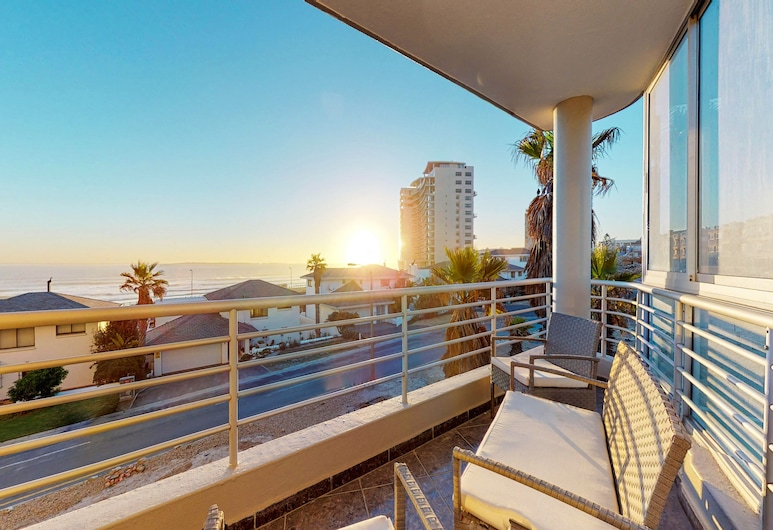 The Bay Views, Cape Town, Classic Apartment, 2 Bedrooms, Balcony