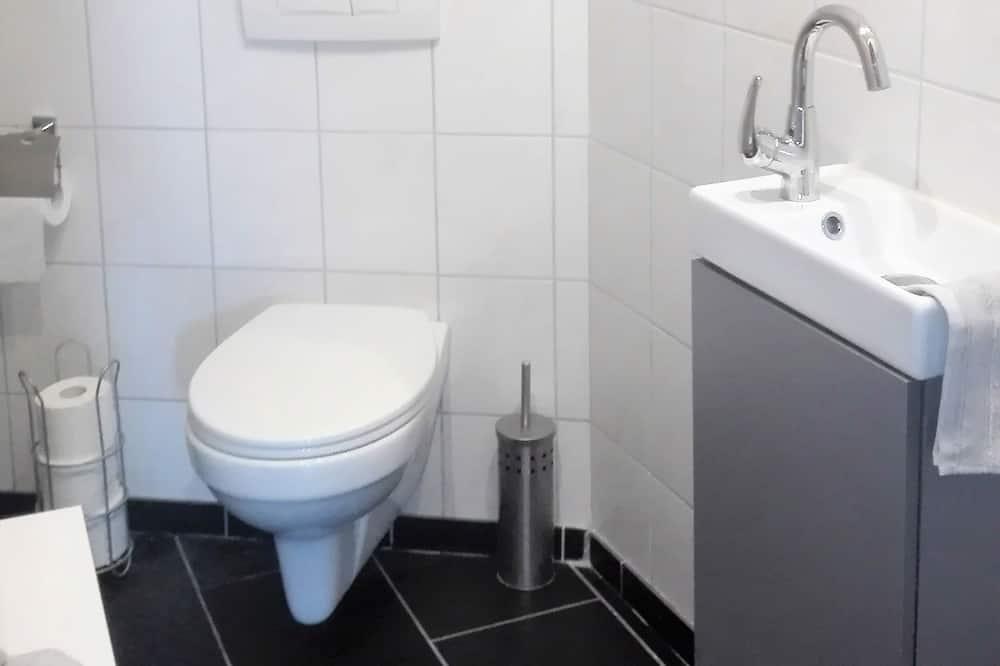 Deluxe Condo - Bathroom