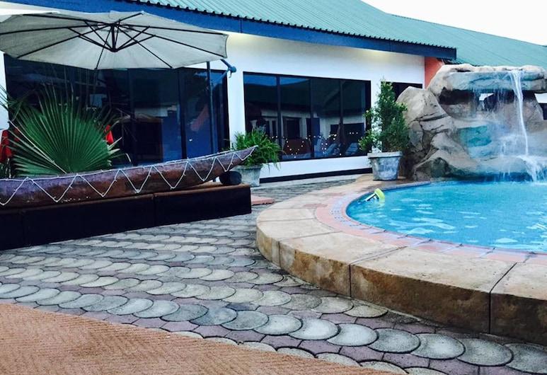 Le Dolphin's Grand Paradiso Hotel, Lusaka