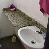共用宿舍, 僅限女士 - 浴室