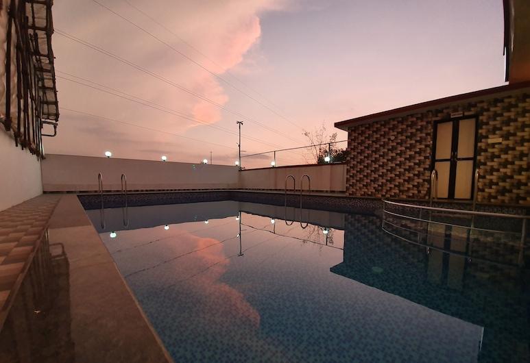 Hotel Jagadguru, Lonavala, Alberca al aire libre