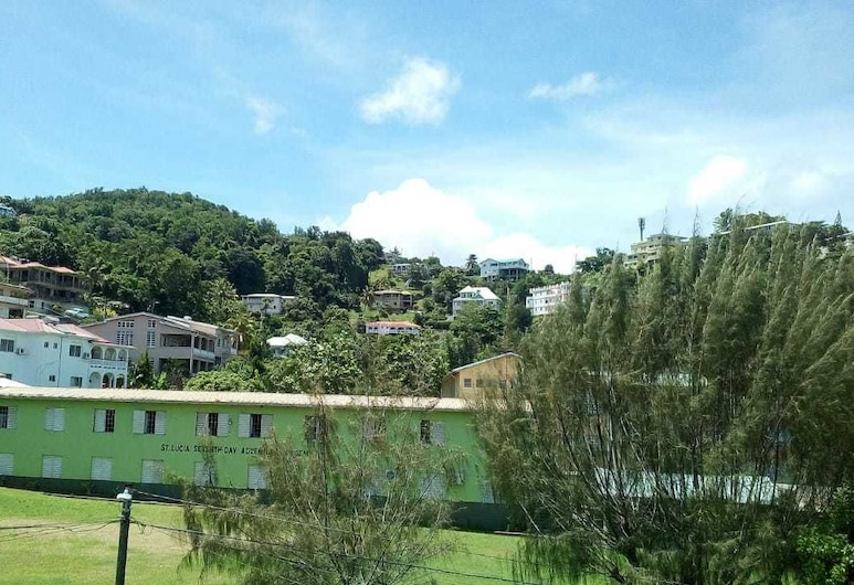 Octave's Beach Trek Apartment, Gros Islet, Front of property