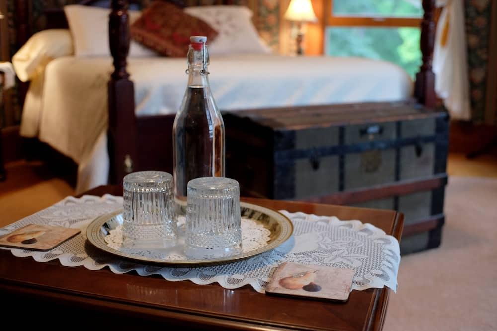 Executive Δίκλινο Δωμάτιο (Double), 1 Queen Κρεβάτι, Τζάκι, Θέα στον Κήπο - Δωμάτιο επισκεπτών